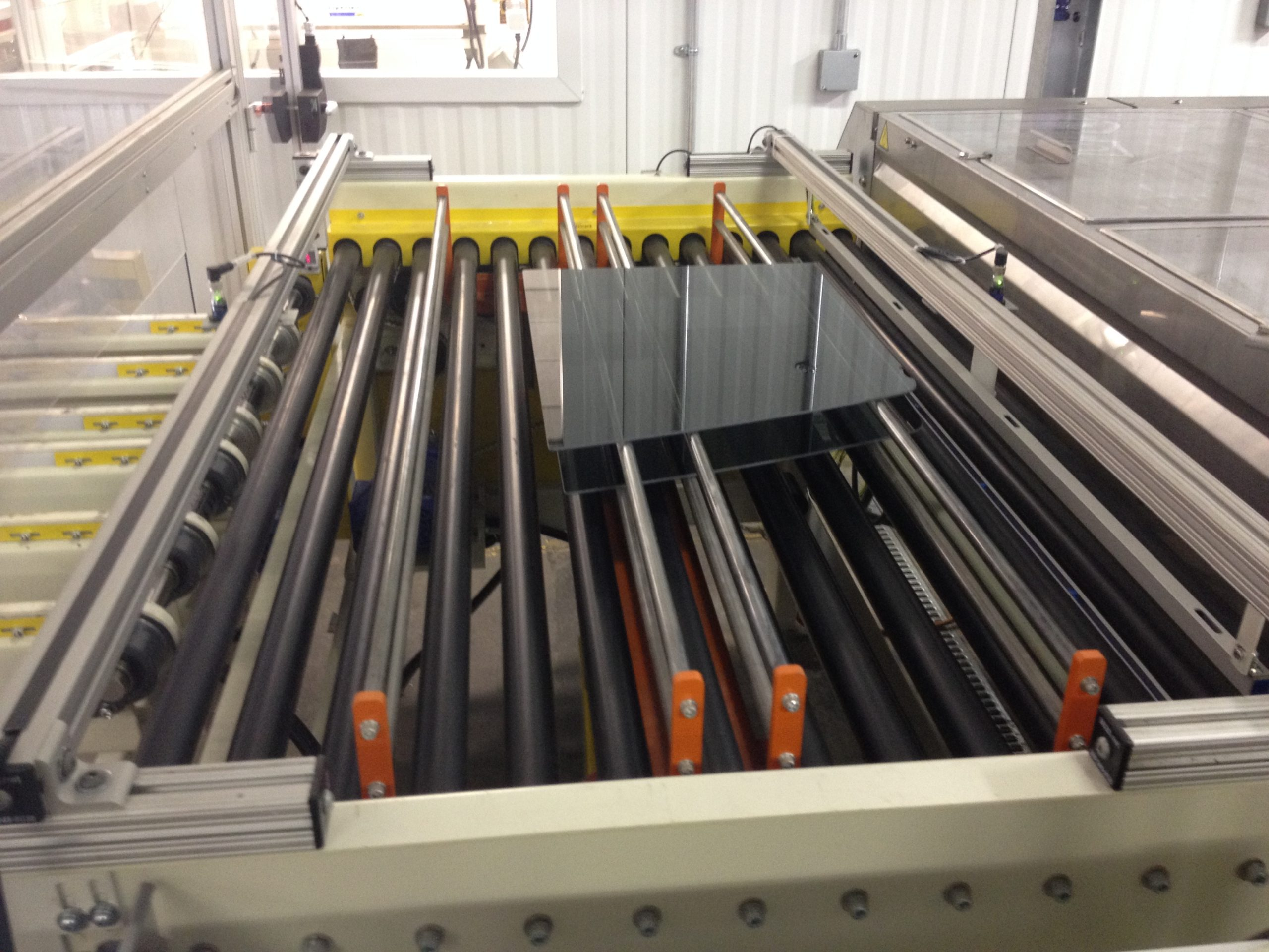 Vertical Accumulators - 3-level accumulator | Glassline