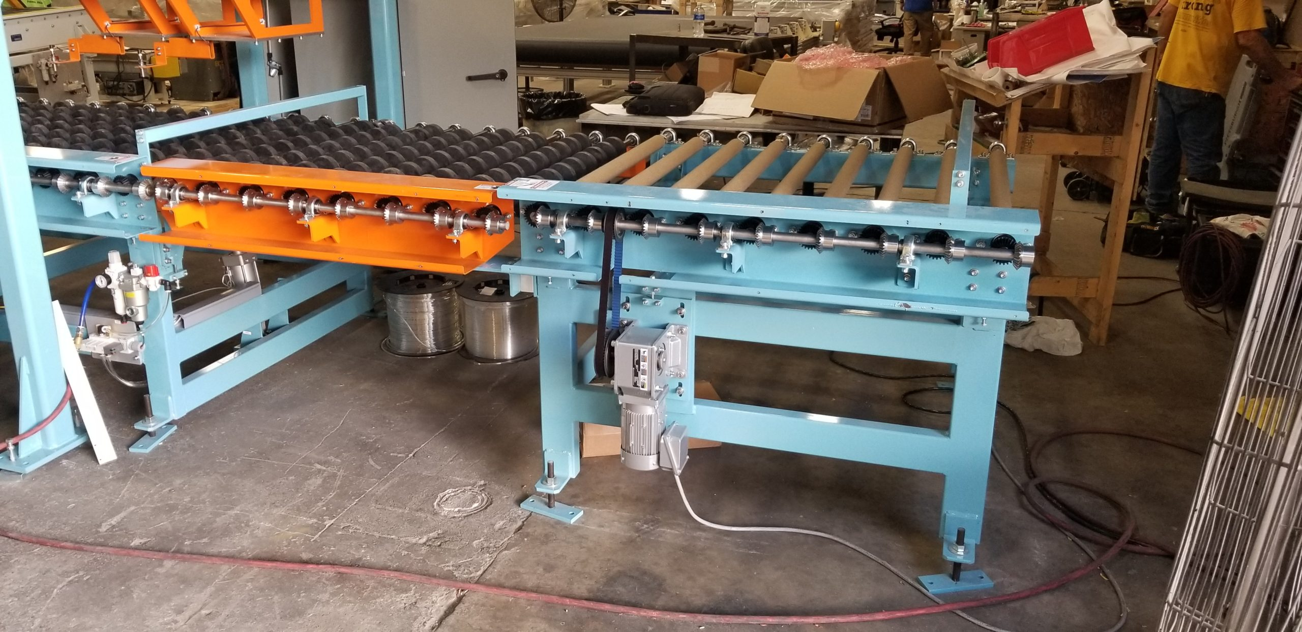 Roll Conveyors - Pivoting Miter Gear(Furnace emergency ejection) | Glassline