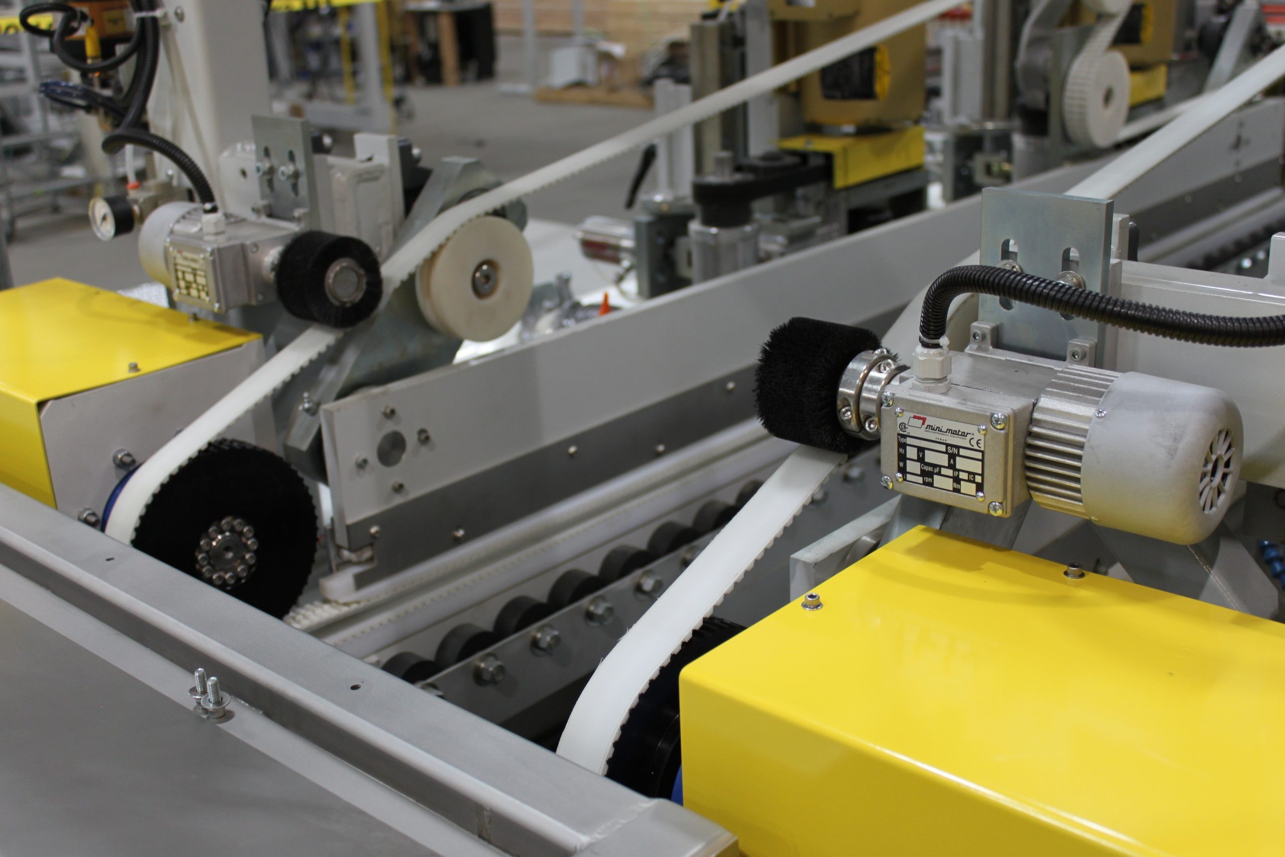 Double Edge Grinding Machine - Belt Brushes - Glassline