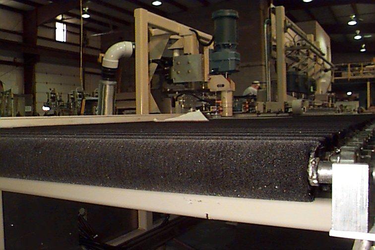 Brush Roll Conveyor - Glassline