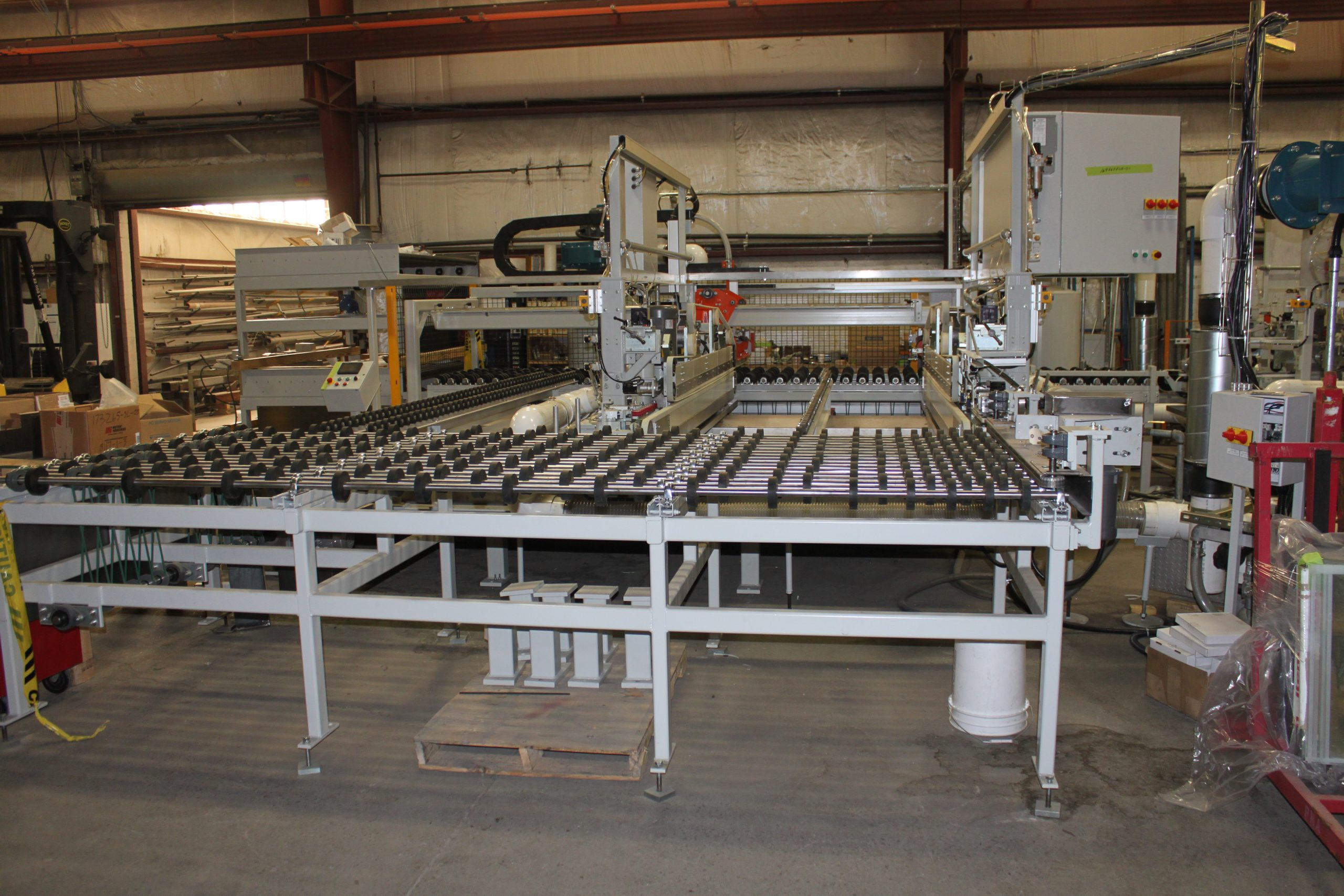 Double Edge Grinding Systems - Load View(144'' Edger) - Glassline